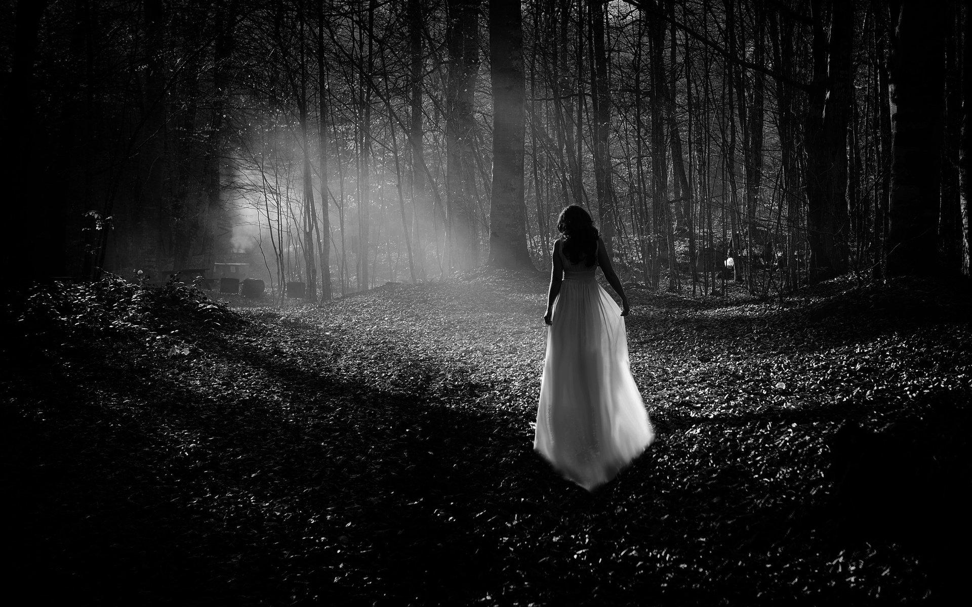 Фото девушка в платье черно белое   картинки (23)
