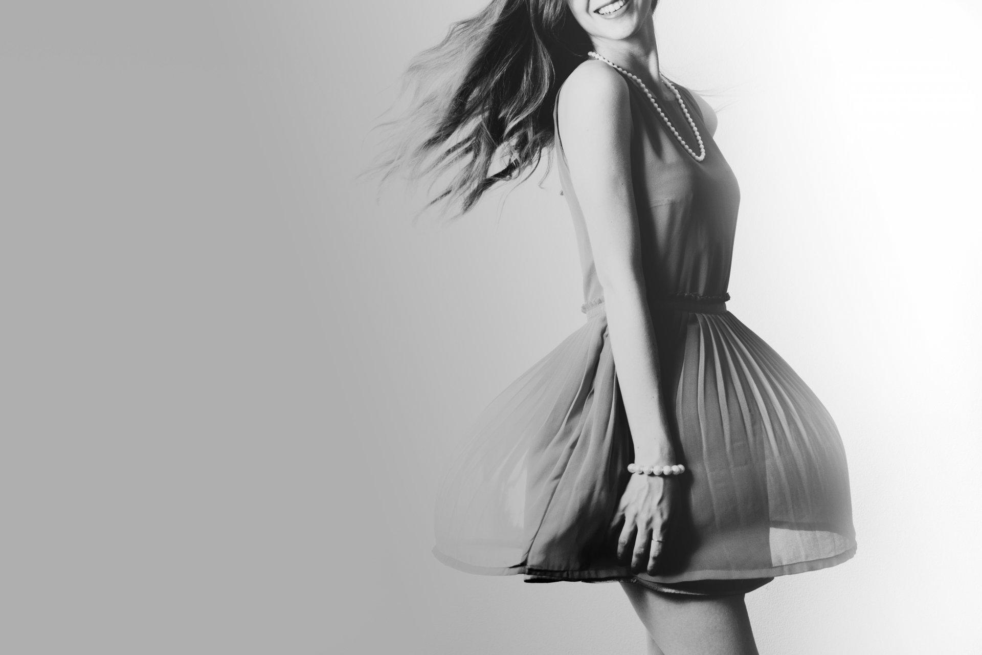 Фото девушка в платье черно белое   картинки (9)