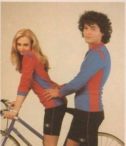 Фото девушка на велосипеде без седла 028