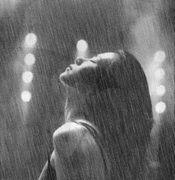 Фото девушка плачет на аву в ВК   сборка аватарок (23)