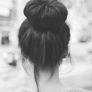 Фото девушки брюнетки с каре со спины   подборка 023