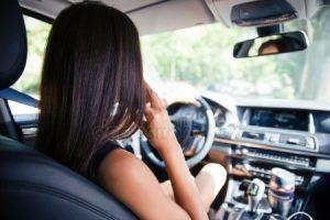 Фото девушки в машине без лица вечером   подборка (12)