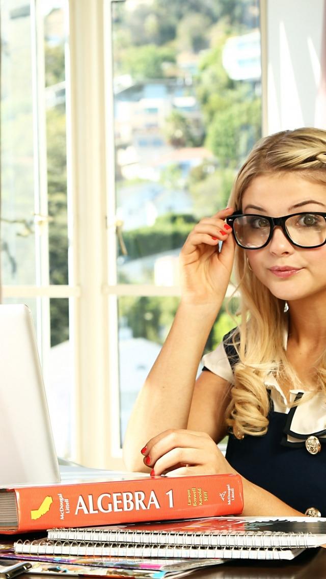 Фото девушки в очках блондинки   милые картинки 024
