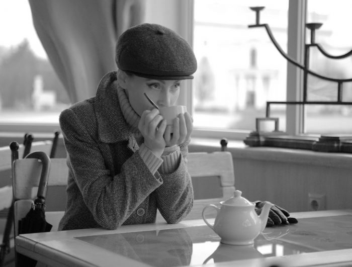 Фото девушки с чашкой кофе в руках   подборка (10)