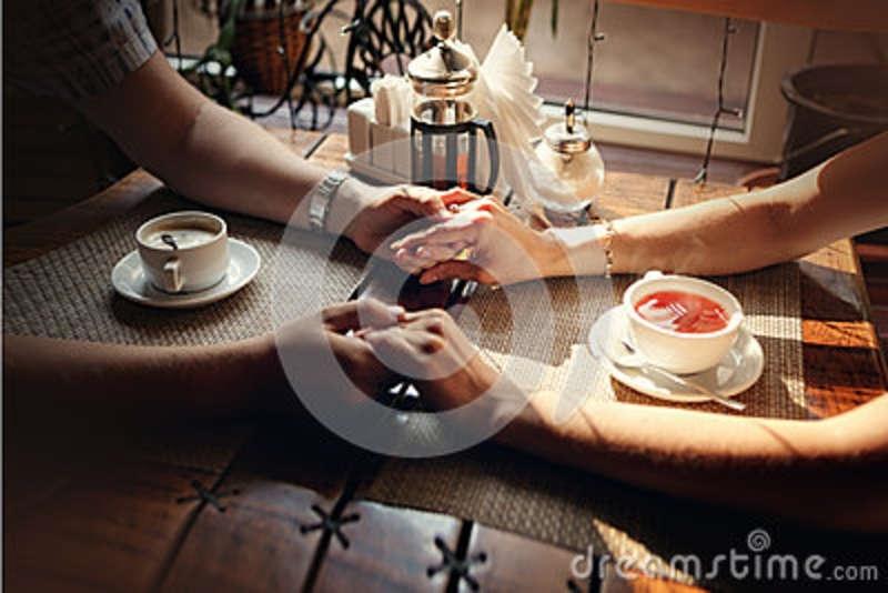Фото девушки с чашкой кофе в руках   подборка (11)
