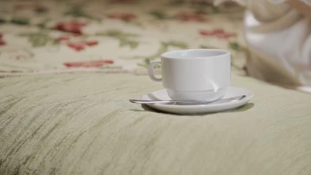 Фото девушки с чашкой кофе в руках   подборка (4)