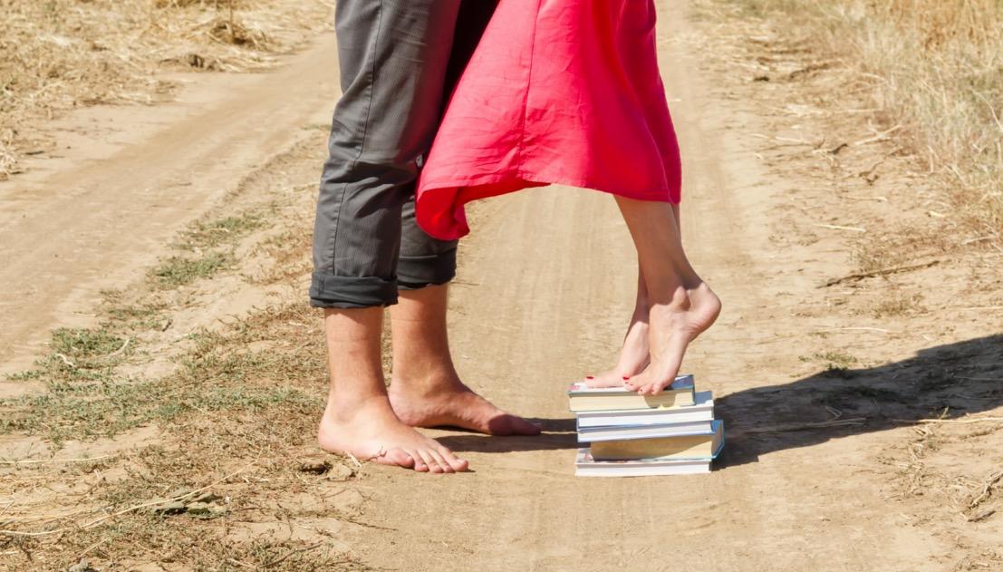 Фото парень перед девушкой на коленях   сборка картинок (1)
