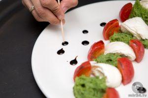 Фото ресторанная подача салатов025