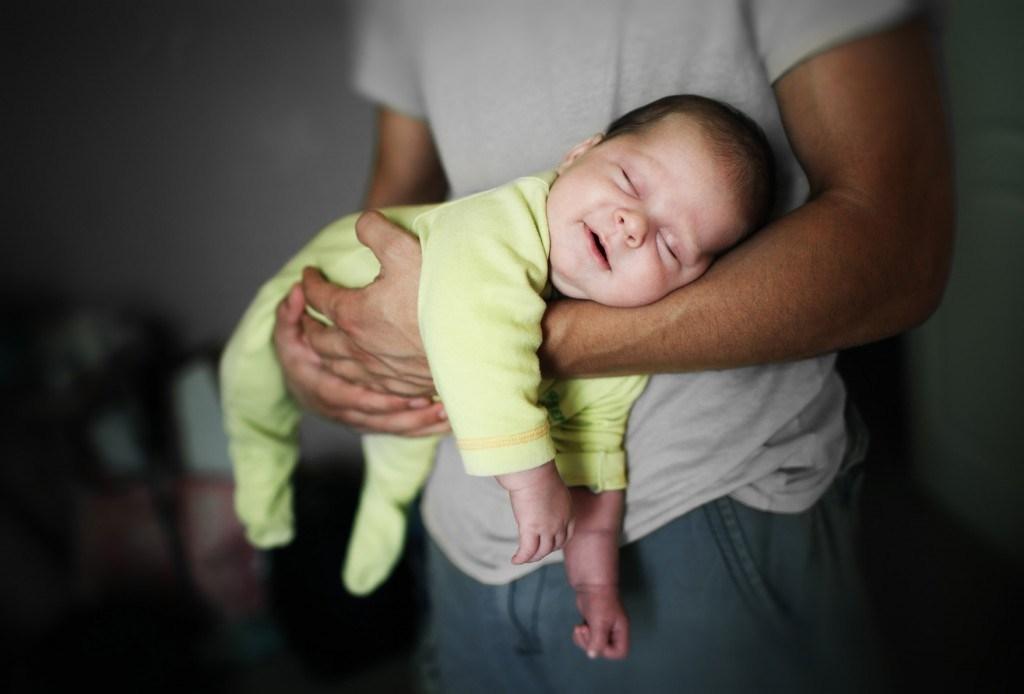 Фото руки мамы и ребенка   подборка 023