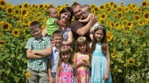 Фото семьи большой счастливой021