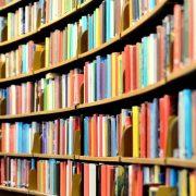 Фото с книгами в библиотеке 025