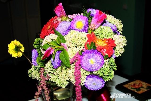 Букеты из садовых цветов фото   красивые008