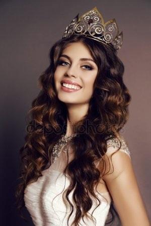 Девушка в короне на аву   красивая002