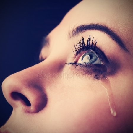 Картинки женщина в слезах   красивая подборка003
