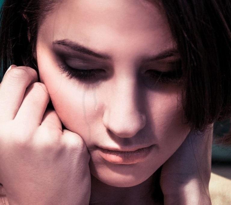 Картинки девочки слезами