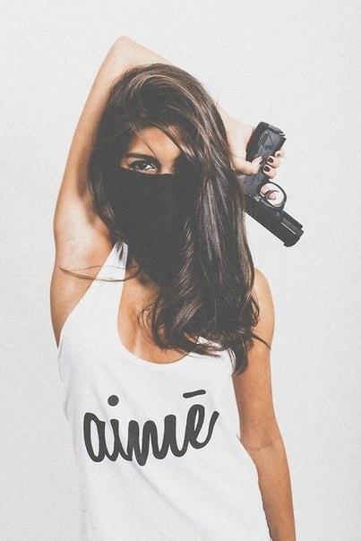 Девушка с пистолетом фото на аву016