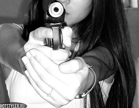 Девушка с пистолетом фото на аву017