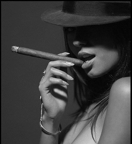 Девушка с сигаретой фото на аву005