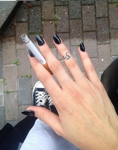 Девушка с сигаретой фото на аву007
