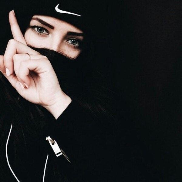 Девушка с сигаретой фото на аву014