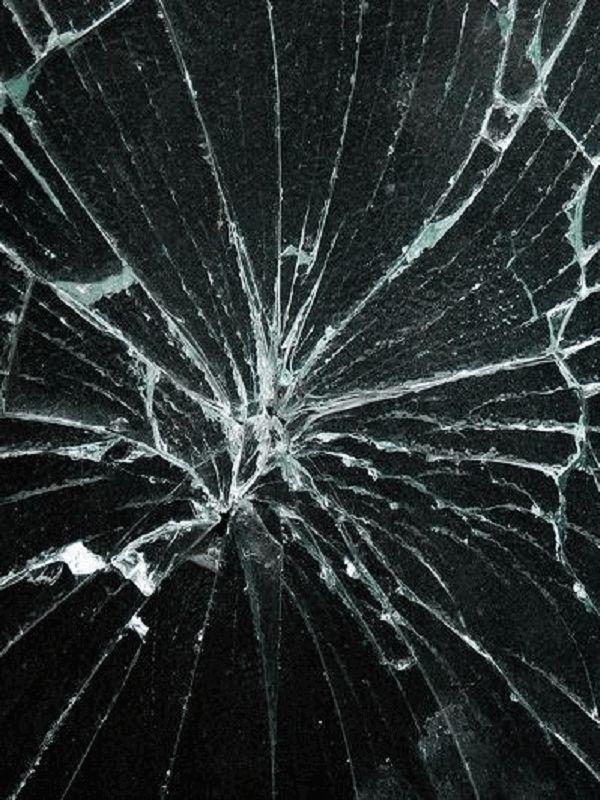 Картинка разбитого экрана на телефон в хорошем качестве (17)