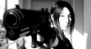 Картинки на аву с пистолетом девушка026