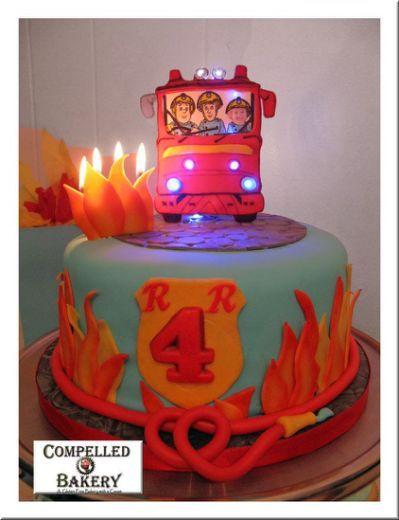 Пожарный Сэм торт010