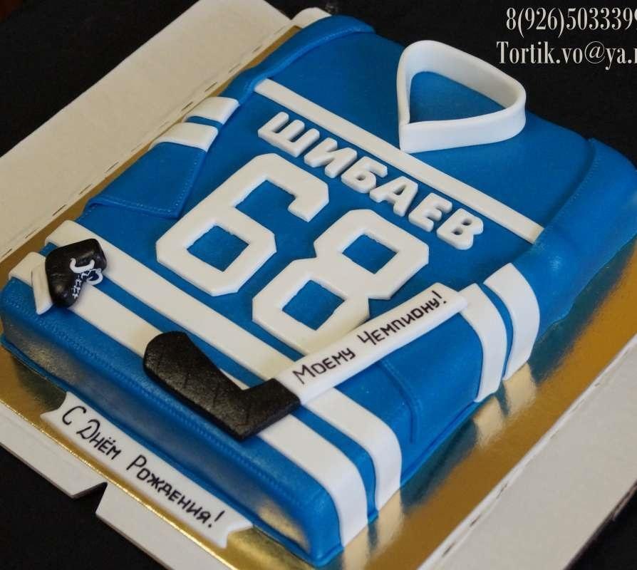 Торт из мастики хоккейный005