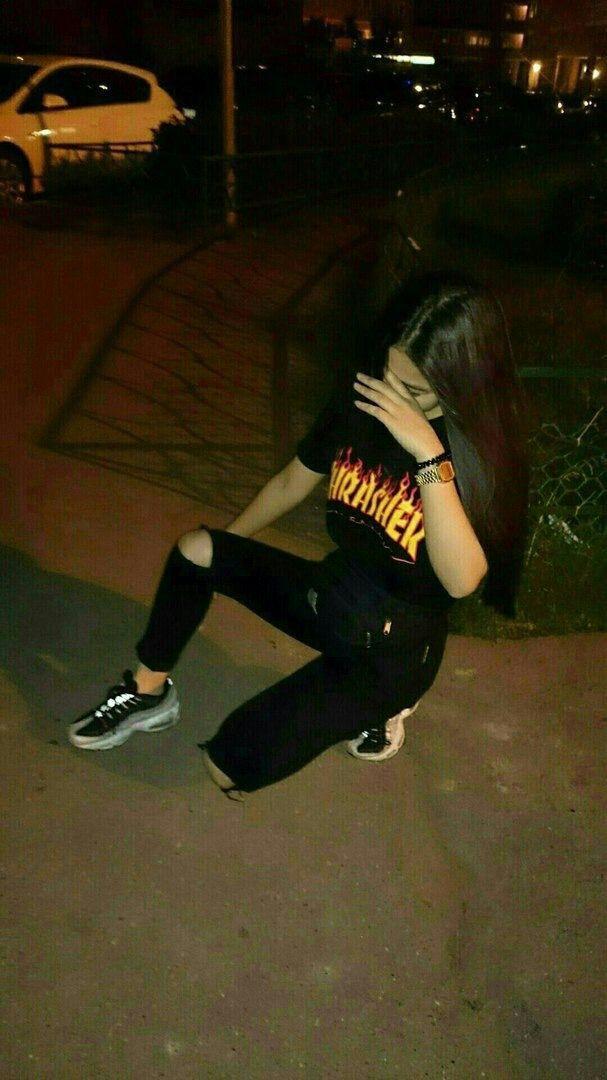 Фото девушек в зеркало с телефоном без лица (14)