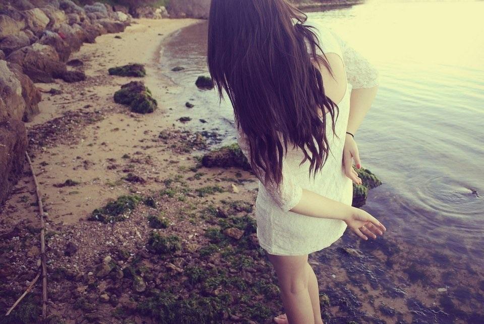 Фото девушка со спины на аву001