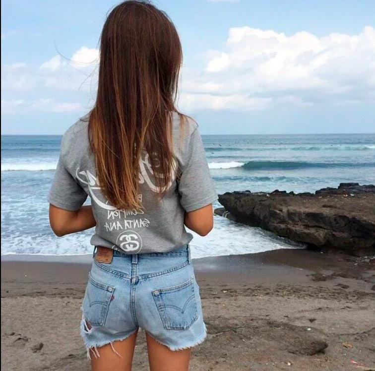 Фото девушка со спины на аву004