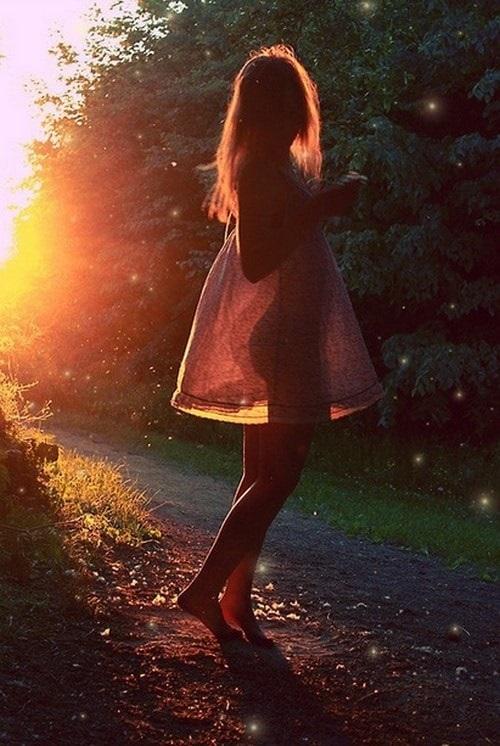 Фото девушка со спины на аву005