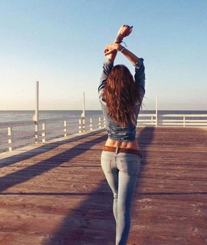 Фото девушка со спины на аву007