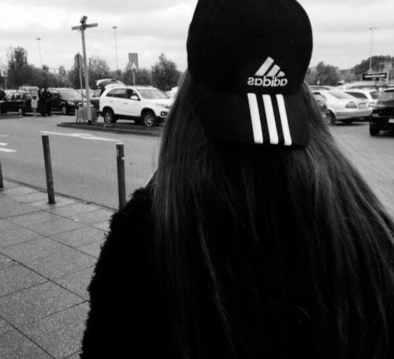 Фото девушка со спины на аву014