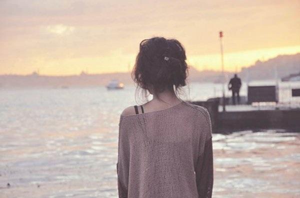 Фото девушка со спины на аву016