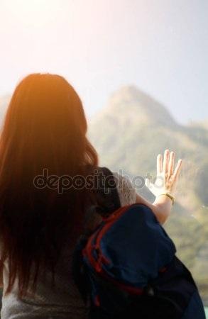 Фото девушка со спины на аву019