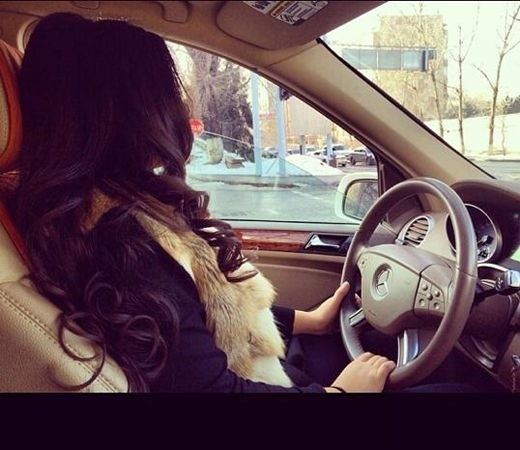 Фото на аву за рулем девушка010