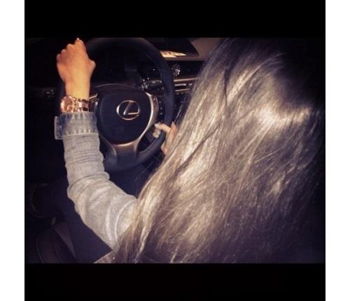 Фото на аву за рулем девушка014