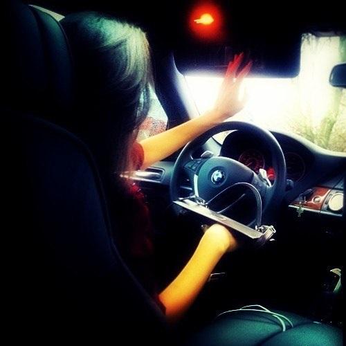 Фото на аву за рулем девушка015