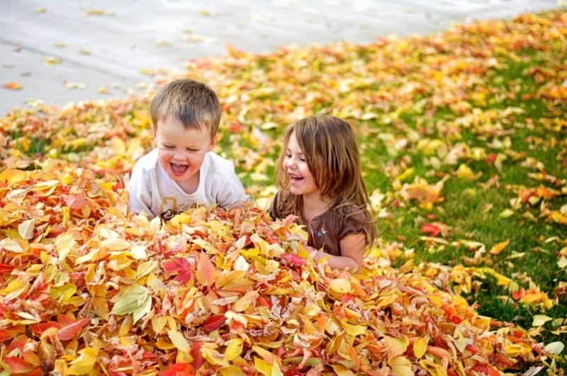 красивые картинки про осень с детьми 003