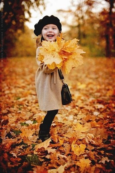 красивые картинки про осень с детьми 014