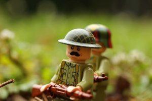 Всемирный день уничтожения военной игрушки 010
