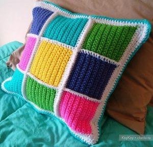 Вязание подушек спицами от руки 009