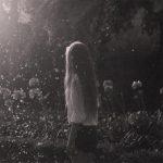 Картинки девушка на мосту со спины — крутые фото