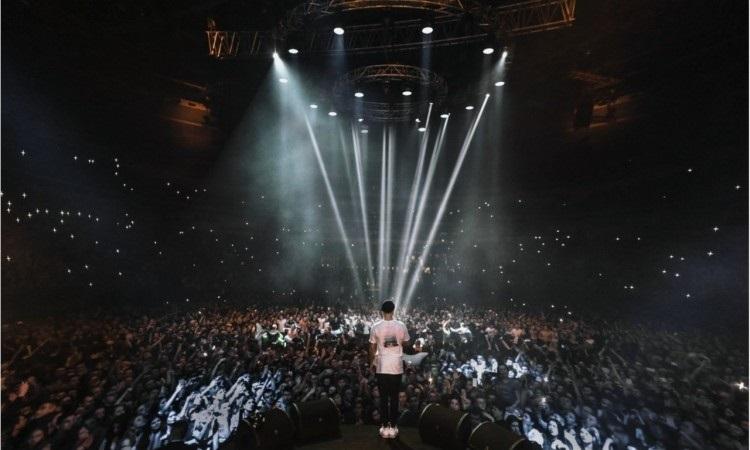 Макс корж картинки с концерта 008