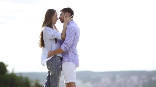 Романтические картинки про любовь с поцелуями 001