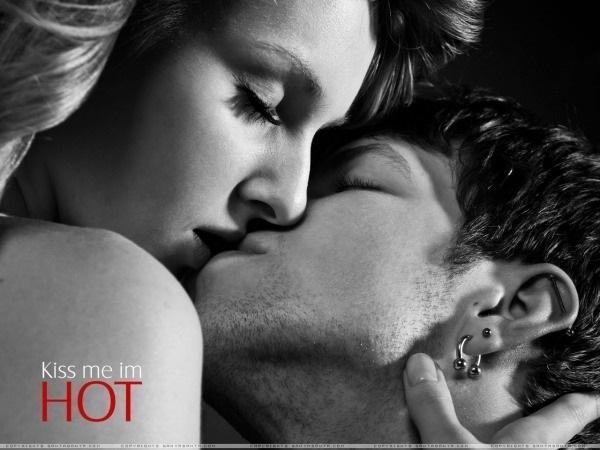 Романтические картинки про любовь с поцелуями 010