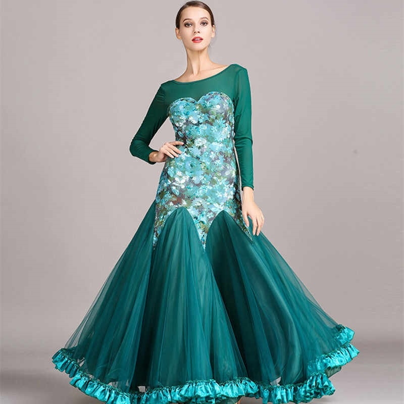 Фото бальных платьев для танцев 003