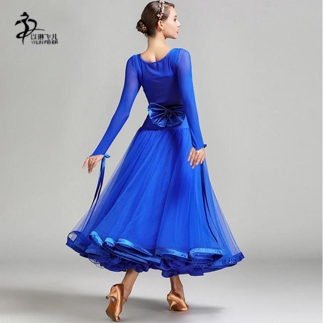 Фото бальных платьев для танцев 007