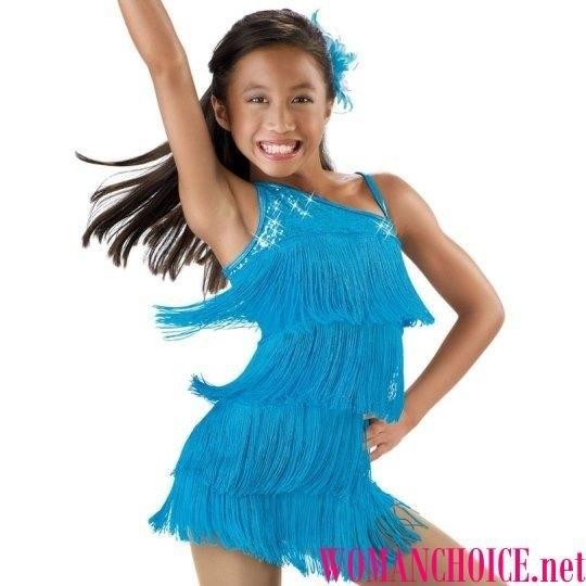 Фото бальных платьев для танцев 017